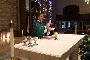 catholic-mass-1748443_1280
